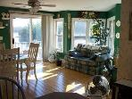 Dining room/sun area, sliding doors to deck