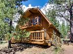 Cozy, dog-friendly cabin with three decks and SHARC passes!