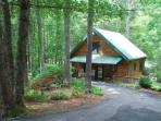 Peak Creek Cozy Cabin_Creek_Pet Friendly_Hot Tub_WiFI_Family Friendly_Private_Wooded Setting