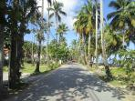 Road along the beach to the house