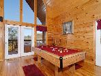 Pigeon Forge resort cabin with pool table