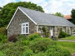 THE OLD STABLE, single-storey cottage on country estate, games room, close to coast, near Camelford, Ref 26392