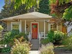 Charming Classic Craftsman in Great Seattle Neighborhood - Live Like a Local!