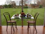 Expansive lawns, complimentary breakfast