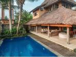 Pool aspect