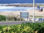 Vista a Playa Montoya desde el jardín al frente