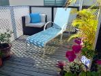 The shared 2nd floor sun deck is perfect if you want to lay back & relax...