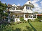 Beautiful Two Story Home - 5 Minute Drive To Rose Bowl