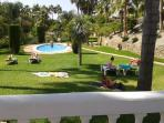 Spacious lawns and children´s pool