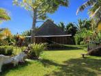 Arrivée depuis la plage parc de 1 Ha, maison construction malgache pour 1 à 10 personnes