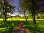 A 1min walk from the flat takes you here. Holyrood Park and Arthur's seat on your doorstep!