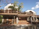Caille Blanc Villa Entrance