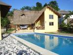 Villa de estilo caribeño, 2 dormitorios con piscina