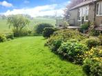 MONKHOLME COTTAGE, single storey, wonderful views, in Threshfield, Ref. 906293