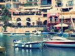 Ballutta Bay (5 minutes by walk)
