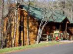 Smoky's Lodge ~ Christmas time