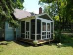 little blue cottage lots of cute! 1 mile to stockbridge center . pet friendly!
