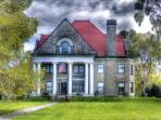 HISTORIC STONE HOUSE ON THE SHORES OF LAKE ERIE! ENJOY AMAZING OTTAWA COUNTY!!