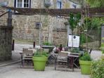 Terrasse estivale du restaurant voisin Le Barathym
