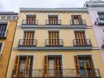 Edificio historico que conserva en el piso todos los elementos característicos