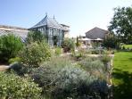 La serre et le jardin côté parc