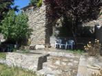 Rincón para relajarse en el Jardín de Casa Baró