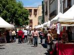 Mercado de artesanía en el casco viejo de Vegueta.