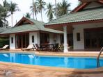grandvilla pool