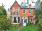 Spacious detached family house with sea views