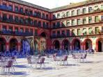 Plaza de la Corredera. Uno de los muchos lugares que visitar en los alrededores.