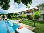 Spacious Luxury Villa with Private Pool and 5 double rooms