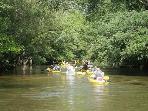 De nombreuses activités sportives : canoë sur la Leyre, pistes cyclables, golf, activités marine ...