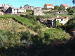 Vista de la vivienda y su entorno