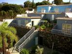 fachada y terraza privada