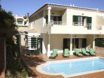 Delightful spacious 3-bedroom villa with private pool & garden and super sea views