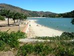 Vinça lake and beach