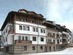 Fortuna Apartments, Luxury 4 Star, Prime Location - Ski Lift 150 metres, 3 minutes walk