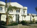 Twin Palms Villa