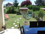la terrasse et le jardin pour profiter du soleil