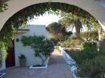 Entrance to Quinta dos Almarjoes