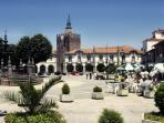 Plaza de Caminha (Portugal)ideal para tomar un cafe relajados.