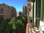Enjoy a delicious meal while gazing a spectacular view of the Sagrada Familia!