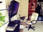 Salotto (angolo scrivania)