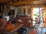 Living area (house 2)