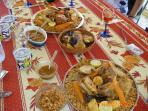 le plat national à base de riz, poissons et legumes