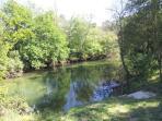 Con acceso particular al rio