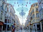 centro ciudad calle Larios a 5 kilómetros del apartamento