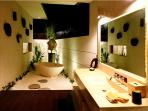 En-suites bathroom