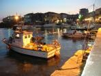 Harbourside evenings at the local tavernas in this picturesque setting.
