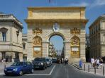 ARC DE TRIOMPHE IN THE BEST STREET OF MONTPELLIER